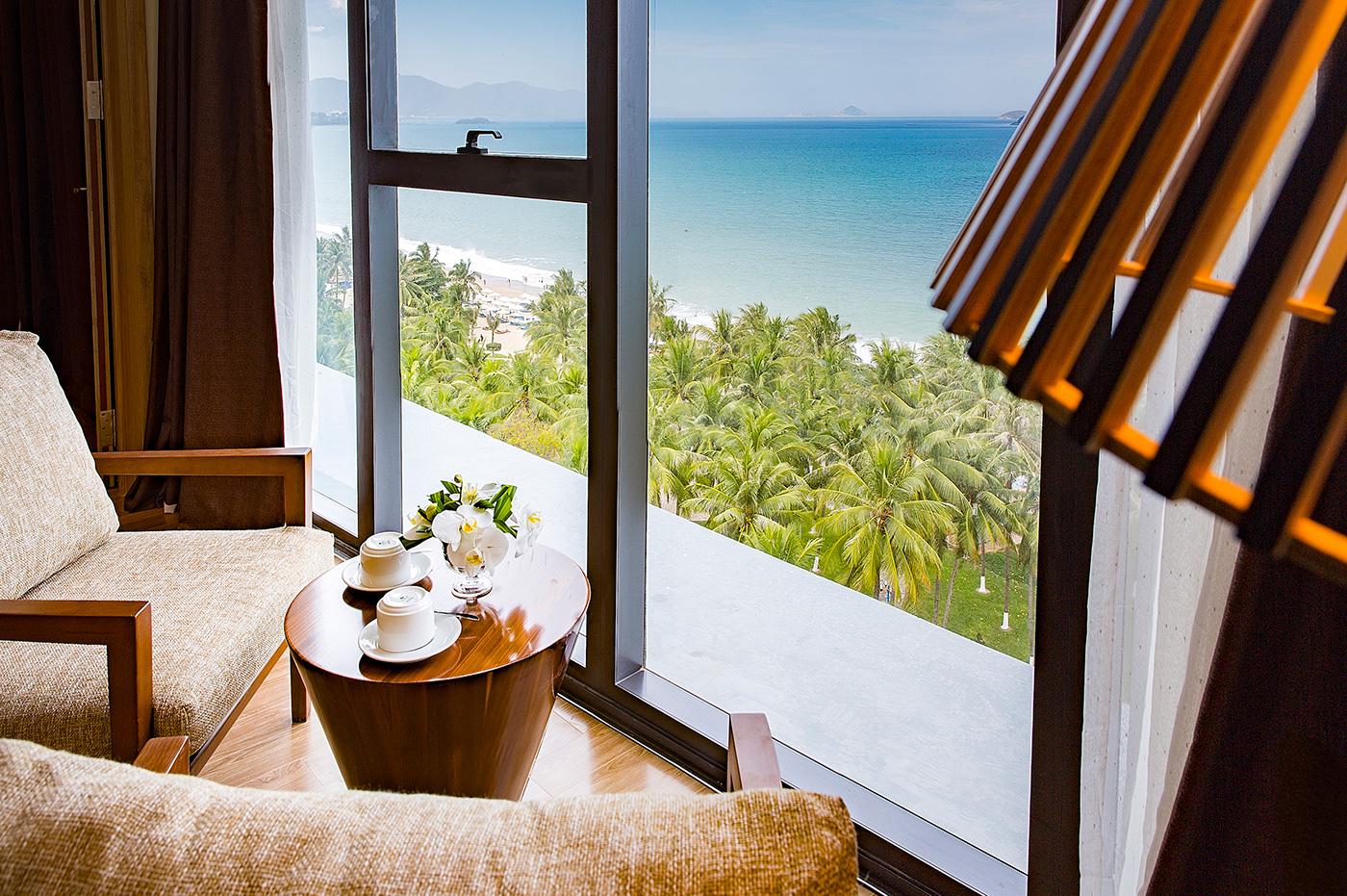 Premier-Deluxe-Twin-room_starcity_hotel_room